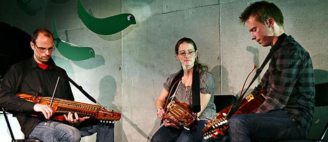 Nyckelharpa Trio