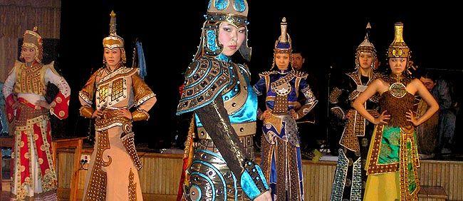 Tuwińskie tancerki